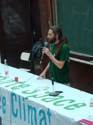 Jon Palais prend la parole pour Bizi! à l'Espace Climat du FSM